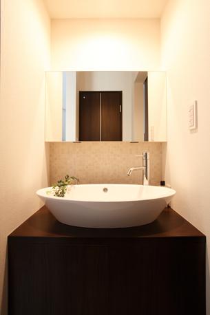 1階廊下のオリジナル造作の洗面台